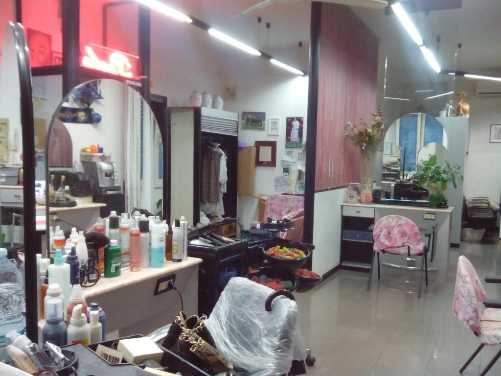 Laboratorio in vendita a Ascoli Piceno, 9999 locali, zona Località: BorgoSolestà, prezzo € 110.000 | Cambio Casa.it