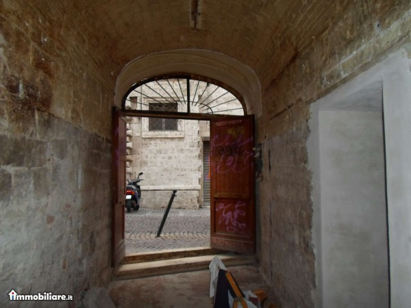 Negozio / Locale in vendita a Ascoli Piceno, 9999 locali, zona Località: CentroStorico, prezzo € 58.000 | CambioCasa.it