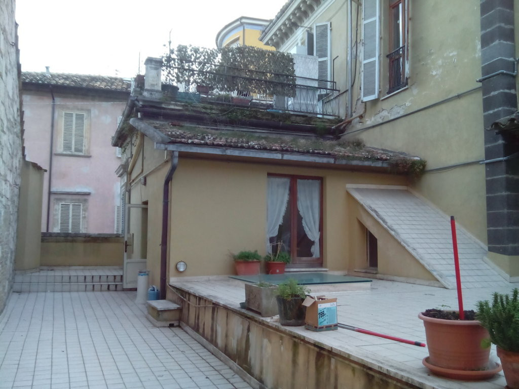 Appartamento in affitto a Ascoli Piceno, 5 locali, zona Località: CentroStorico, prezzo € 750 | Cambio Casa.it
