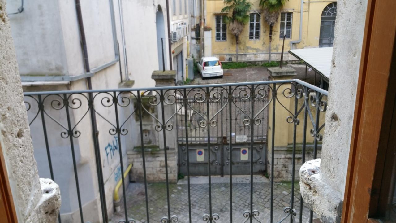 Appartamento in vendita a Ascoli Piceno, 5 locali, zona Località: CentroStorico, prezzo € 130.000 | CambioCasa.it