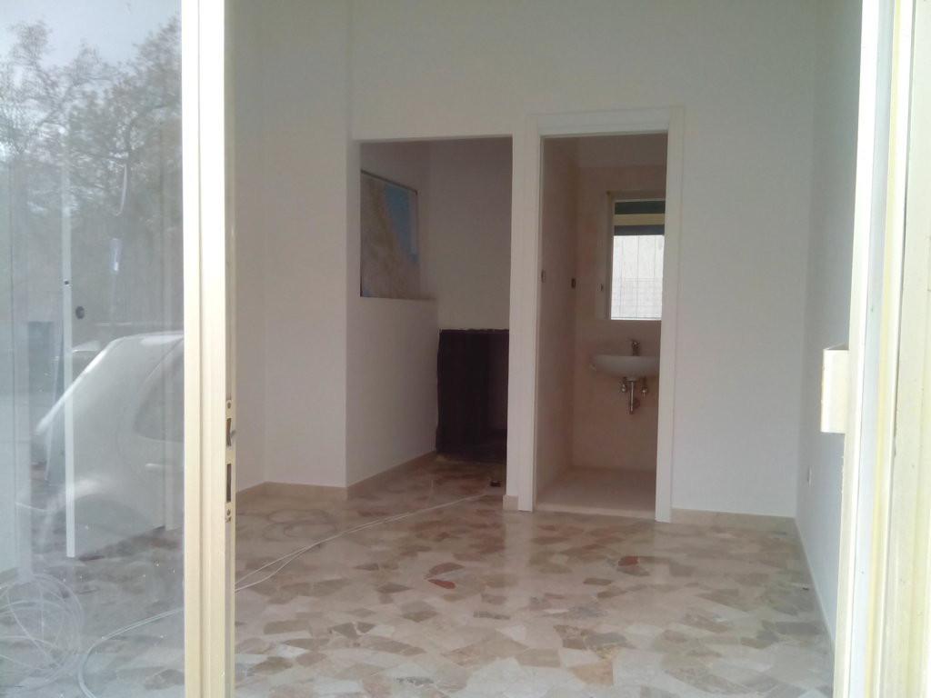 Ufficio / Studio in affitto a Ascoli Piceno, 9999 locali, zona Località: CampoParignano, prezzo € 350 | Cambio Casa.it