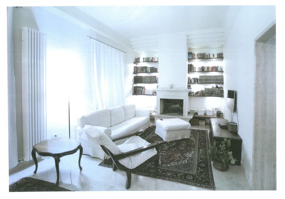 Villa in vendita a Ascoli Piceno, 10 locali, zona Località: CampoParignano, Trattative riservate | Cambio Casa.it