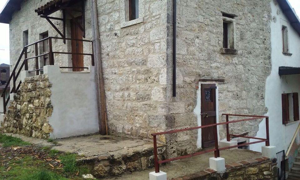 Soluzione Semindipendente in Vendita a Ascoli Piceno