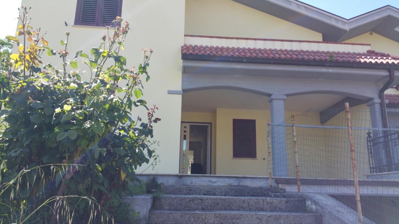 Villa a Schiera in Vendita a Venarotta