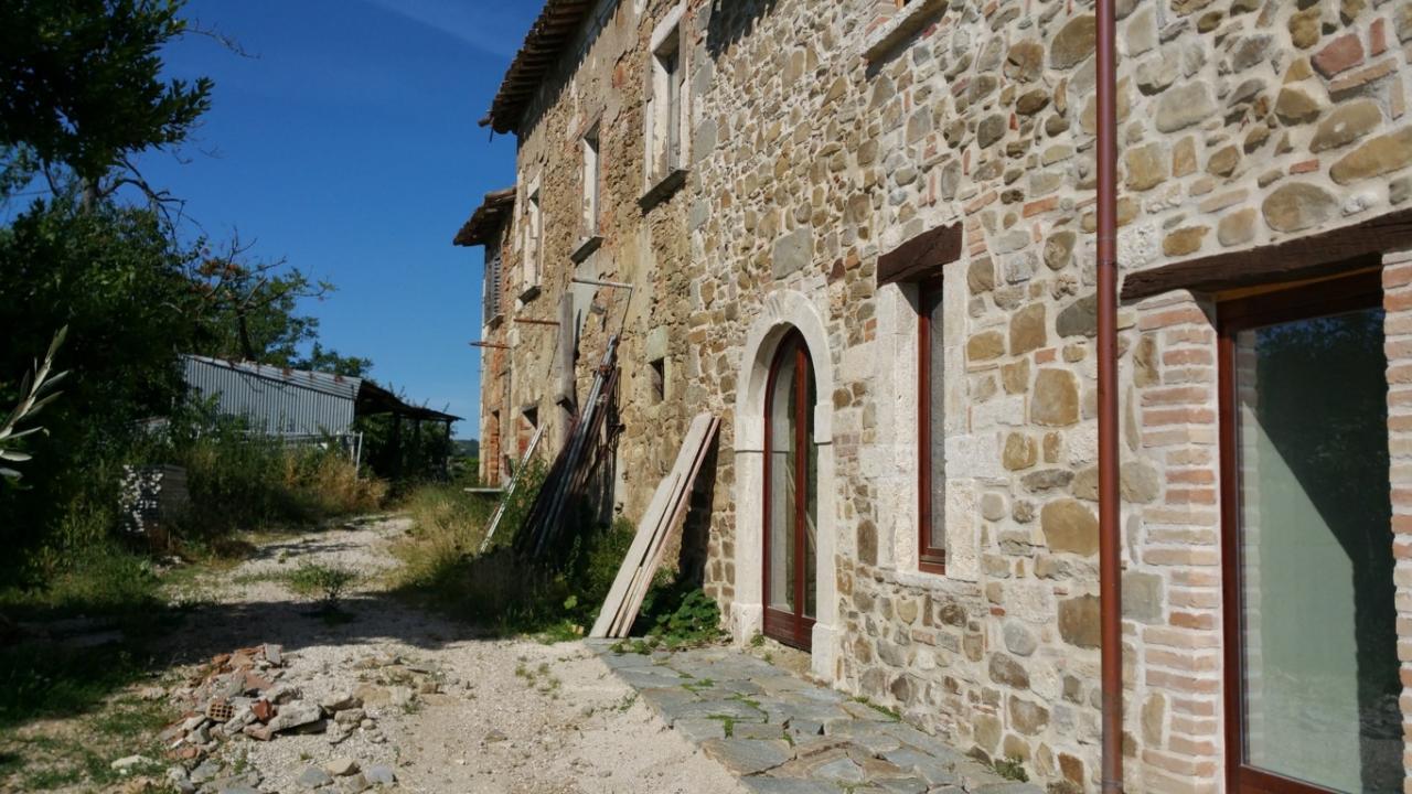 Rustico / Casale in vendita a Ascoli Piceno, 10 locali, prezzo € 230.000 | CambioCasa.it