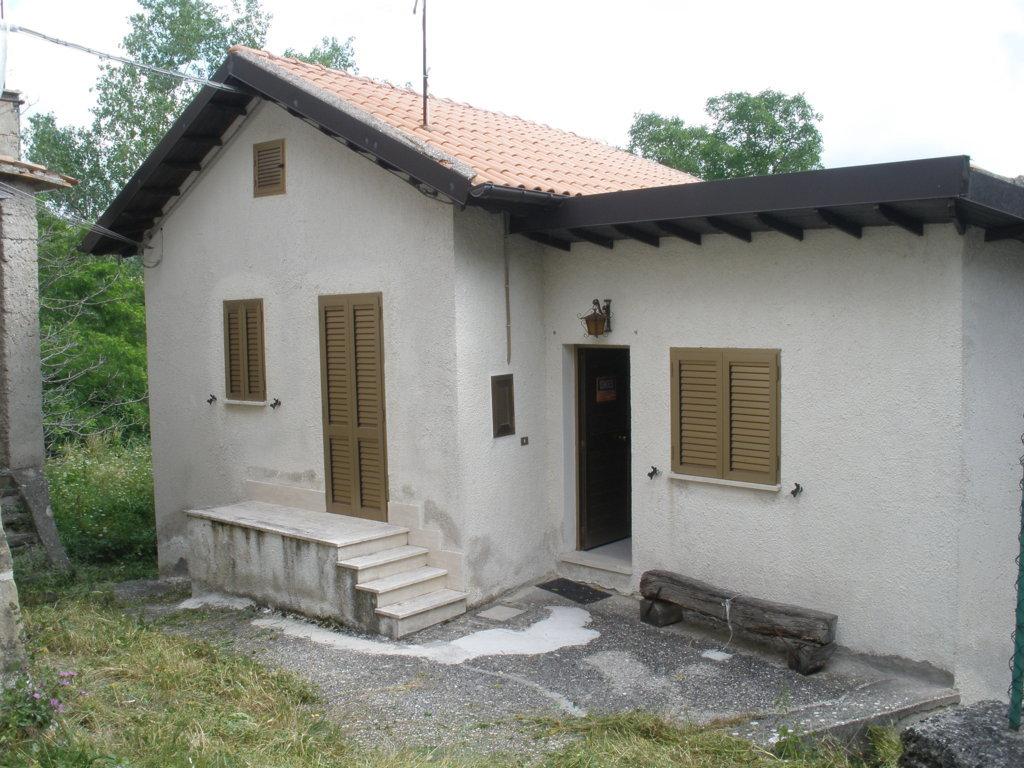 Soluzione Indipendente in vendita a Montegallo, 5 locali, prezzo € 60.000 | CambioCasa.it