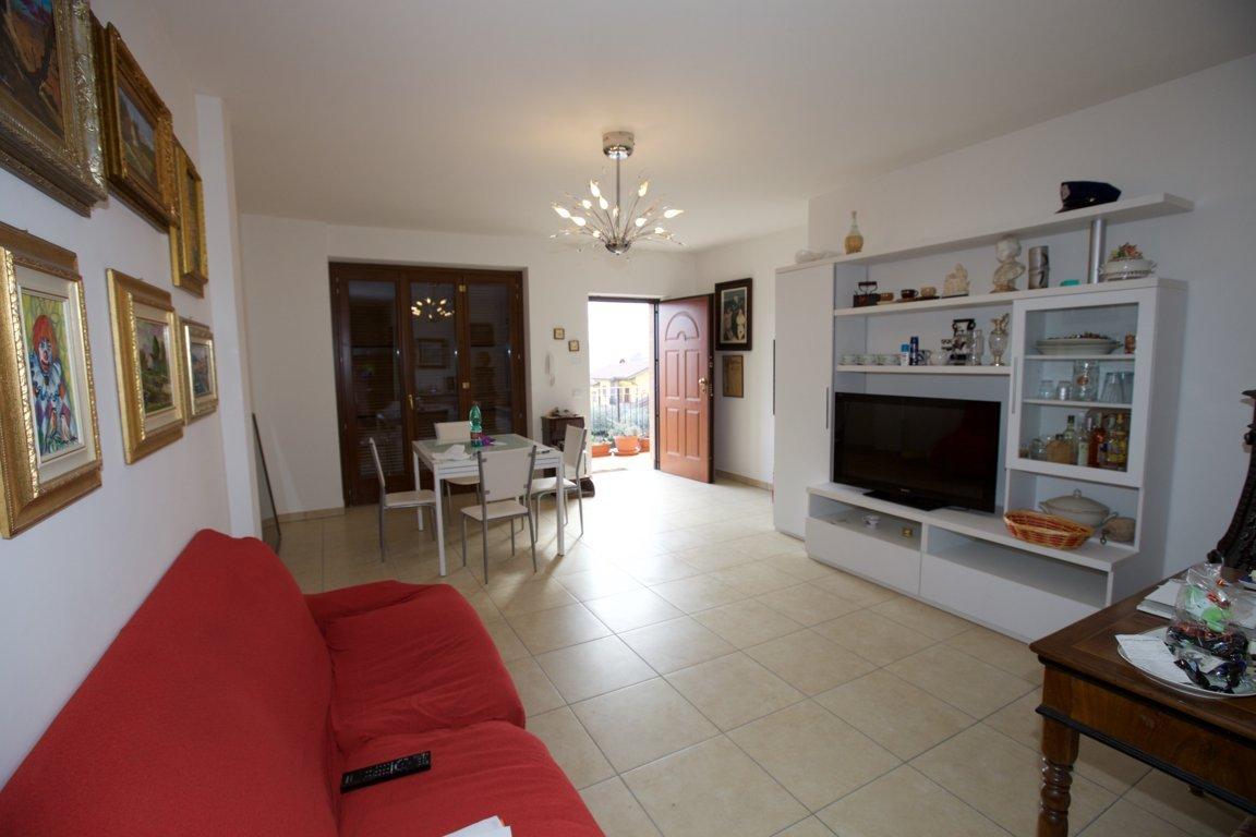Appartamento in vendita a Castel di Lama, 4 locali, zona Zona: Piattoni, prezzo € 170.000 | Cambio Casa.it