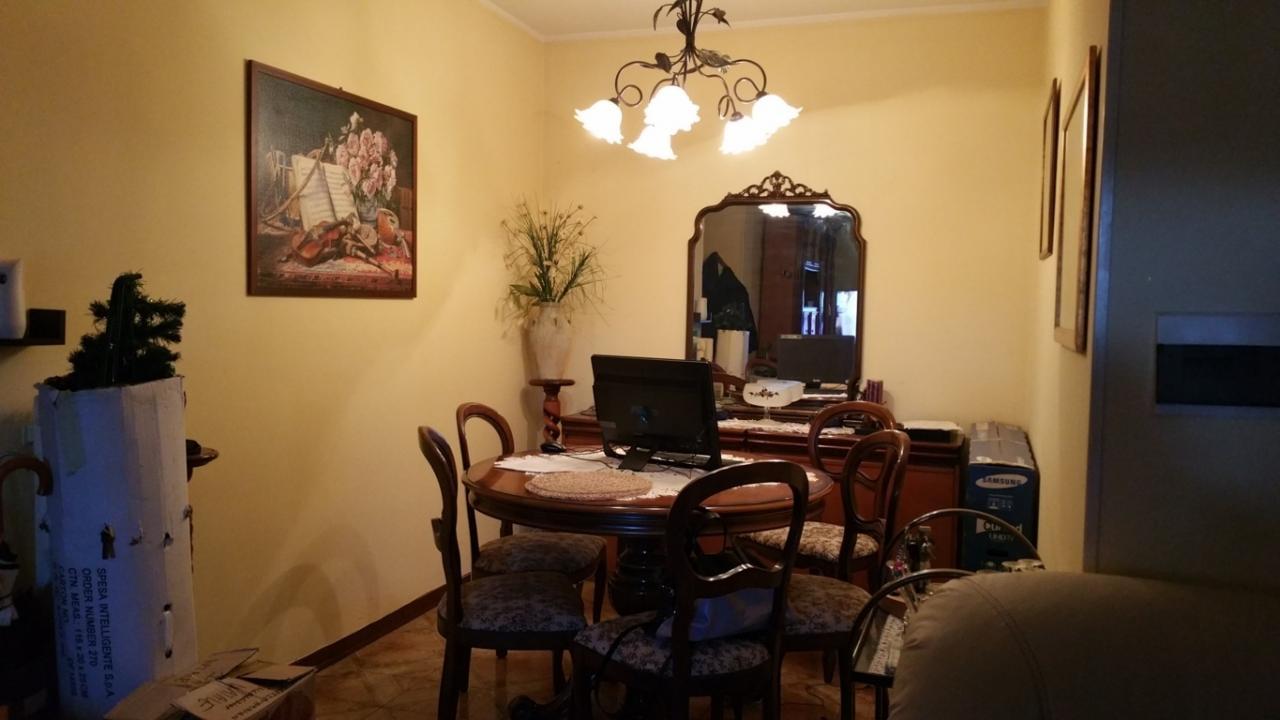 Appartamento in vendita a Ascoli Piceno, 5 locali, zona Zona: Monticelli, prezzo € 132.000 | CambioCasa.it