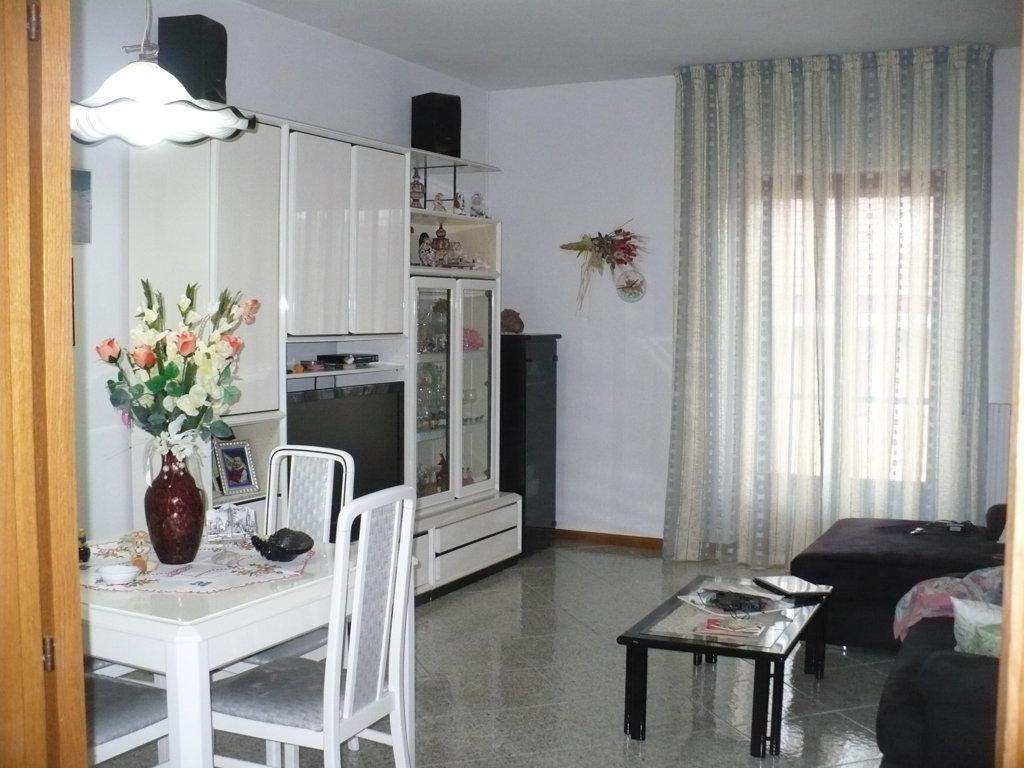 Appartamento in vendita a Folignano, 5 locali, zona Località: CastelFolignano, prezzo € 90.000 | Cambio Casa.it