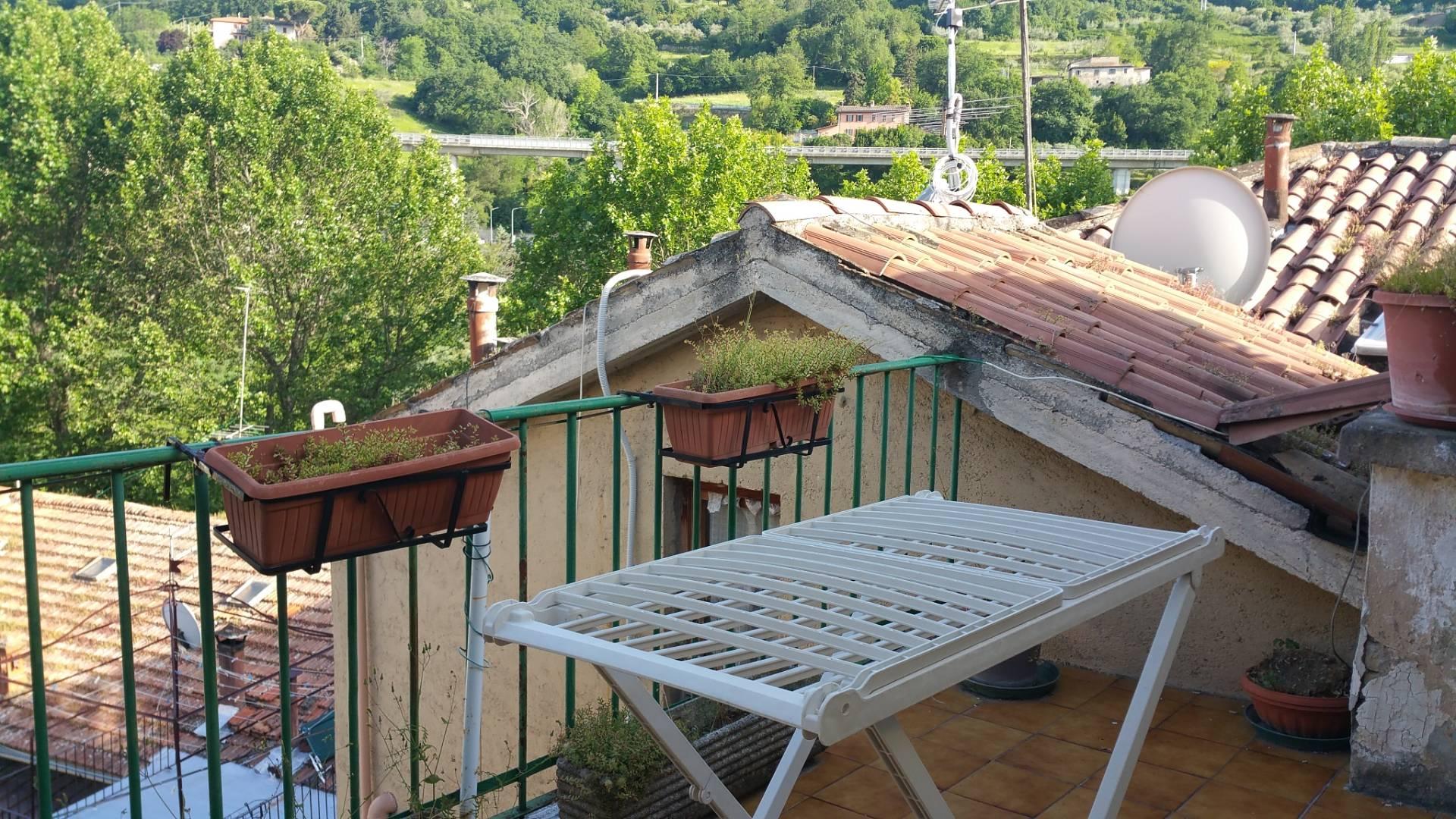 Soluzione Semindipendente in vendita a Ascoli Piceno, 15 locali, zona Zona: Piazzarola, prezzo € 380.000 | Cambio Casa.it