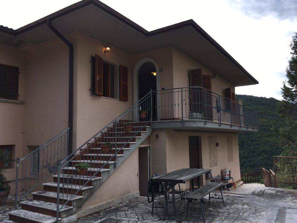 Soluzione Semindipendente in Affitto a Ascoli Piceno