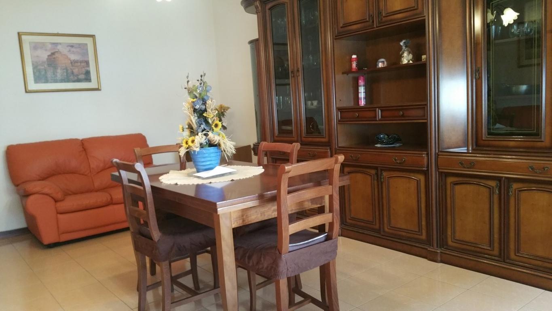 Appartamento in vendita a Ascoli Piceno, 5 locali, zona Zona: Monticelli, prezzo € 145.000 | Cambio Casa.it