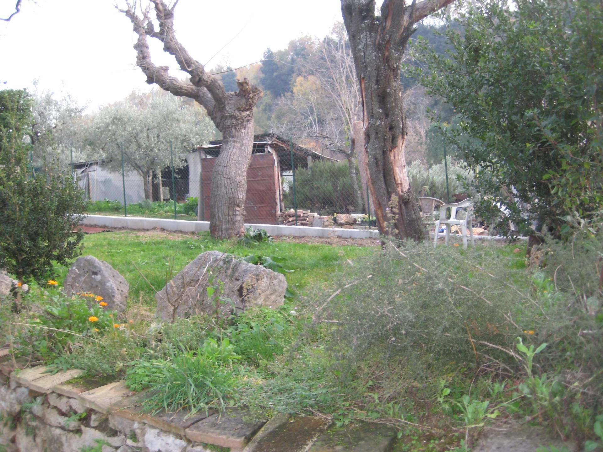 Soluzione Semindipendente in vendita a Ascoli Piceno, 7 locali, zona Zona: Rosara, prezzo € 70.000 | CambioCasa.it