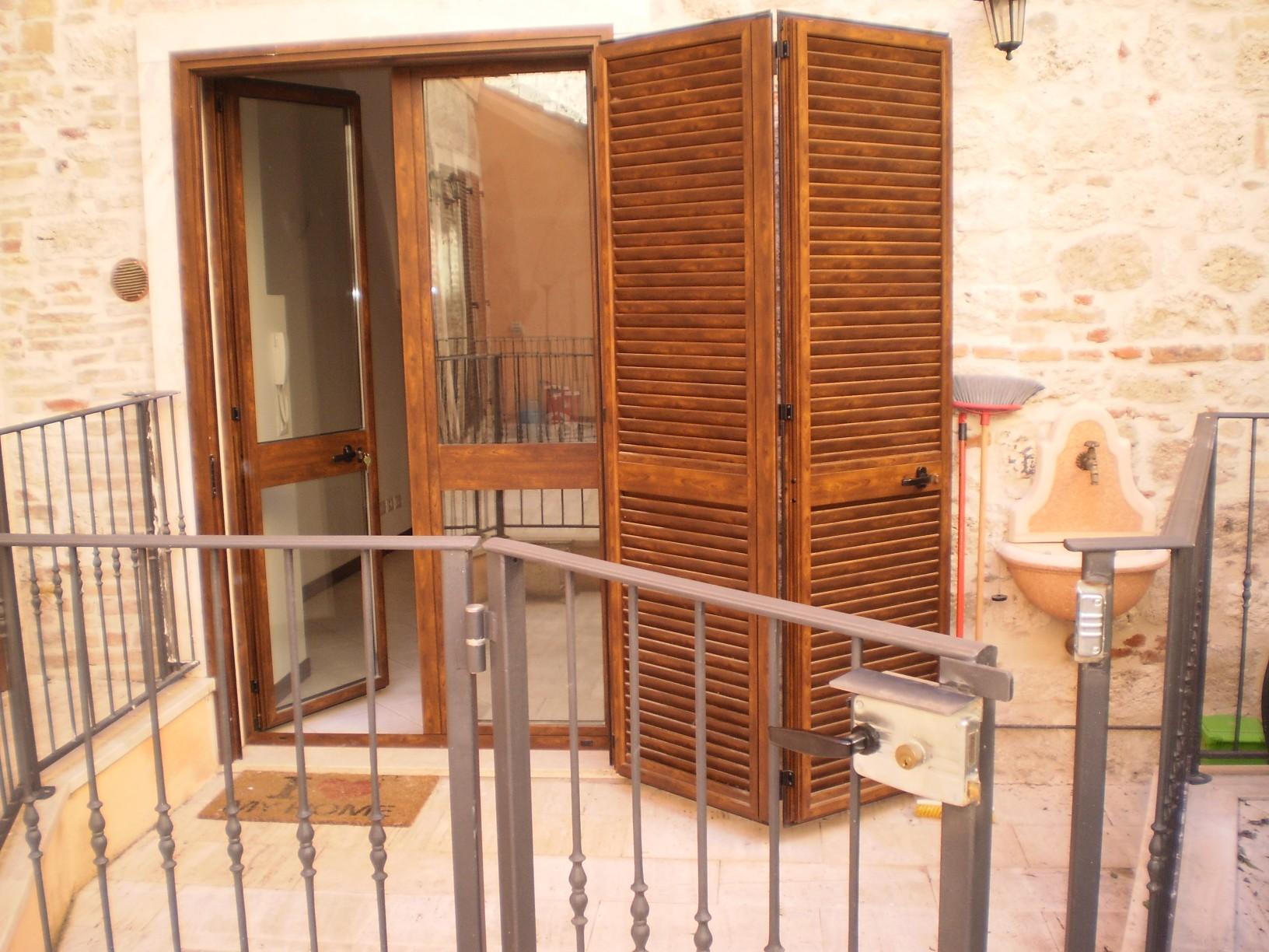 Appartamento in affitto a Ascoli Piceno, 3 locali, zona Località: CentroStorico, prezzo € 410 | CambioCasa.it