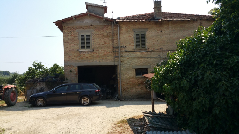 Rustico / Casale in vendita a Spinetoli, 15 locali, zona Località: PagliaredelTronto, prezzo € 300.000 | CambioCasa.it
