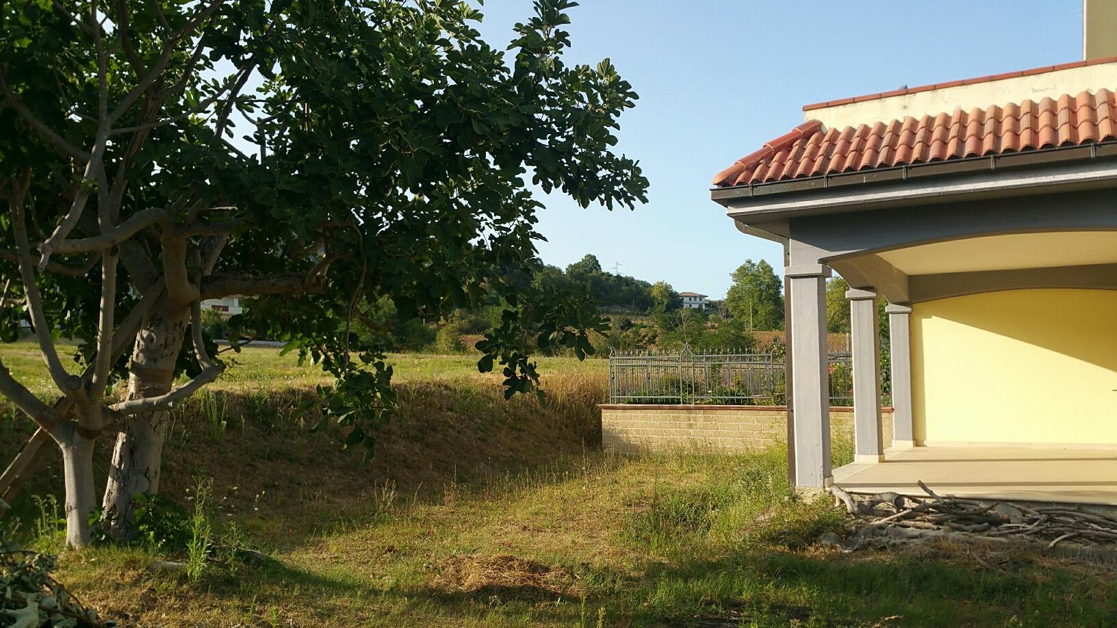 Villa a Schiera in vendita a Venarotta, 9 locali, prezzo € 165.000 | CambioCasa.it