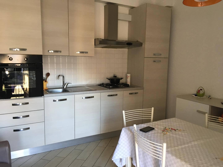 Appartamento in affitto a Ascoli Piceno, 3 locali, zona Località: CampoParignano, prezzo € 450 | CambioCasa.it