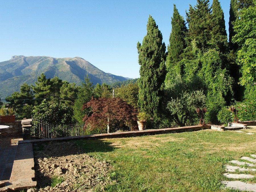 Rustico / Casale in vendita a Camaiore, 6 locali, prezzo € 500.000 | Cambio Casa.it