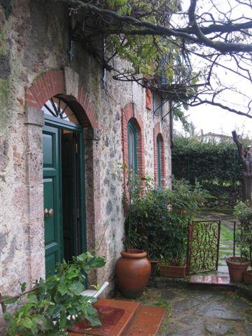 Rustico / Casale in vendita a Pietrasanta, 6 locali, zona Zona: Capriglia, prezzo € 680.000 | Cambio Casa.it