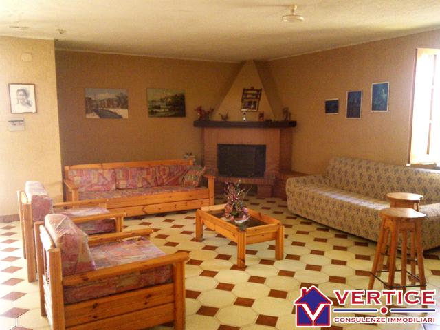 Villa affitto SPERLONGA (LT) - 6 LOCALI - 180 MQ