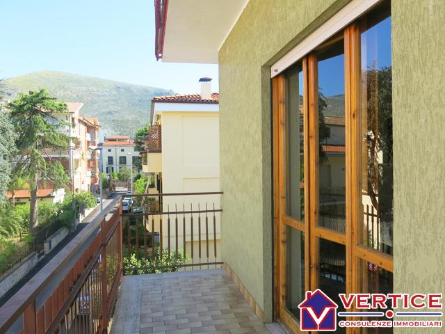 Appartamento in vendita a Fondi, 5 locali, zona Località: Centro, prezzo € 175.000 | Cambiocasa.it