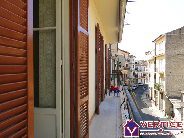 Appartamento in vendita a Fondi, 3 locali, zona Località: Centro, prezzo € 73.500 | Cambiocasa.it