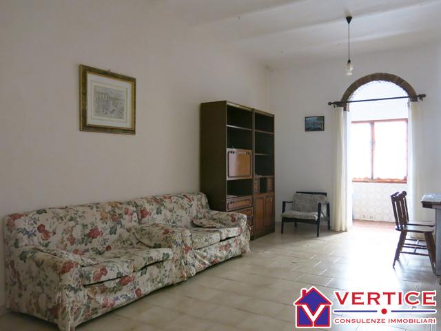 Appartamento in vendita a Fondi, 3 locali, zona Località: Centro, prezzo € 49.000 | Cambiocasa.it