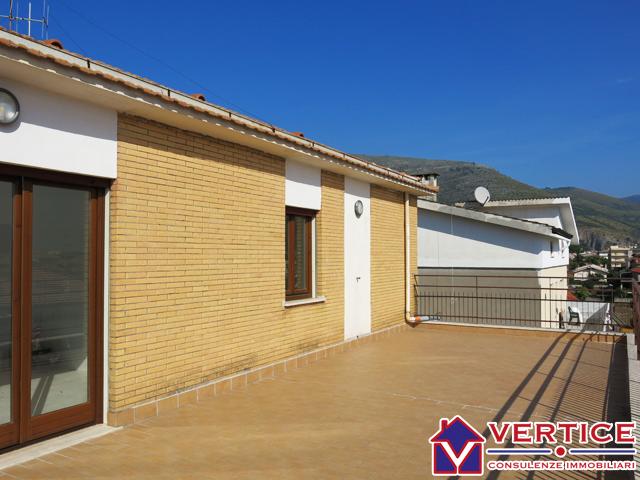 Appartamento in vendita a Fondi, 3 locali, zona Località: Centro, prezzo € 110.000 | Cambiocasa.it