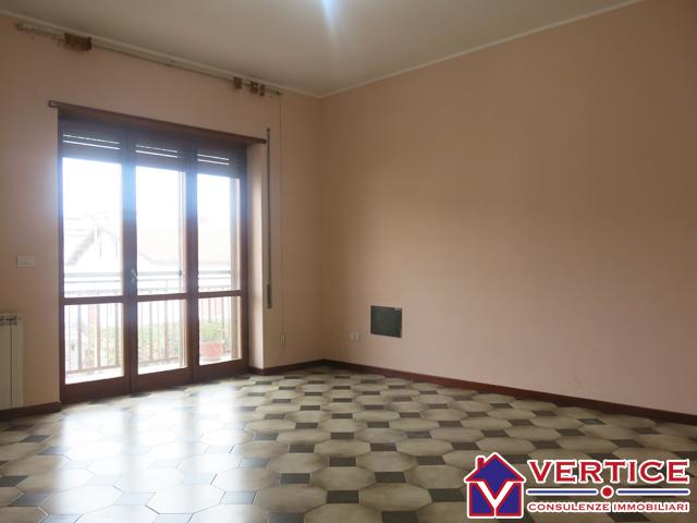 Appartamento in vendita a Fondi, 4 locali, zona Località: Centro, prezzo € 120.000 | Cambiocasa.it