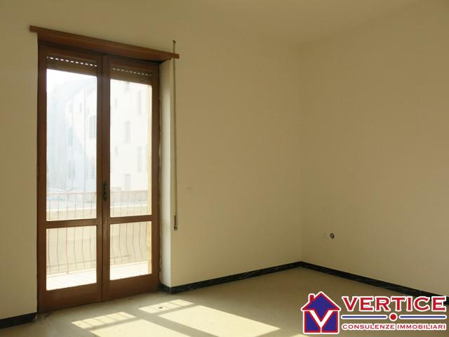 Appartamento in vendita a Fondi, 4 locali, zona Località: Centro, prezzo € 90.000 | Cambiocasa.it