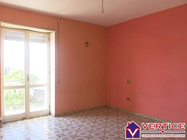 Appartamento in vendita a Fondi, 6 locali, zona Località: Centro, prezzo € 125.000 | Cambiocasa.it