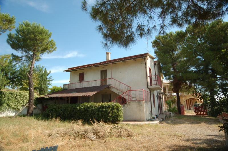 Soluzione Indipendente in vendita a Offida, 5 locali, zona Località: BorgoMiriam, prezzo € 200.000 | CambioCasa.it