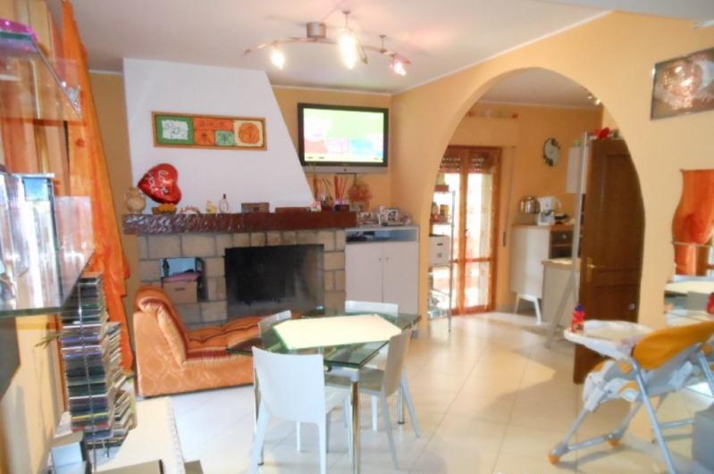 Appartamento in vendita a Ascoli Piceno, 4 locali, prezzo € 98.000 | CambioCasa.it