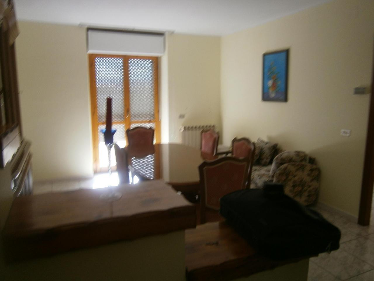 Appartamento in vendita a Sant'Egidio alla Vibrata, 4 locali, prezzo € 85.000 | CambioCasa.it