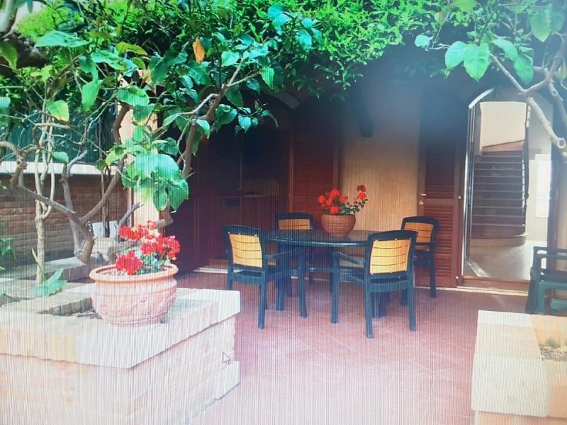 Villa in affitto a San Benedetto del Tronto, 12 locali, prezzo € 1.800 | CambioCasa.it