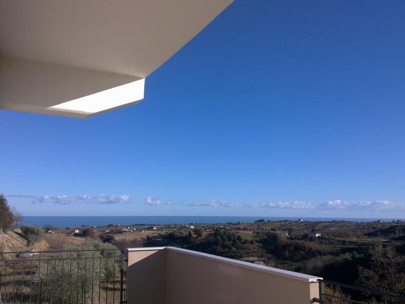 Villa in vendita a Cupra Marittima, 10 locali, prezzo € 1.900.000 | Cambiocasa.it