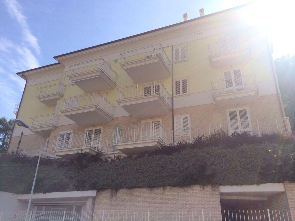 Appartamento in vendita a Cupra Marittima, 2 locali, prezzo € 160.000 | Cambiocasa.it