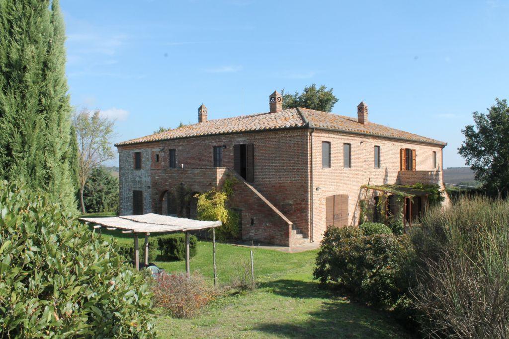 Rustico / Casale in vendita a Castiglione del Lago, 20 locali, prezzo € 550.000 | Cambiocasa.it