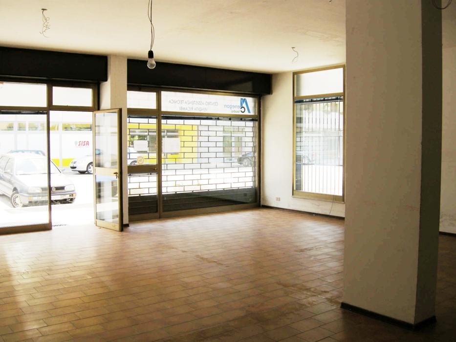 Negozio / Locale in vendita a Udine, 9999 locali, zona Località: SanGottardo, prezzo € 100.000 | Cambio Casa.it