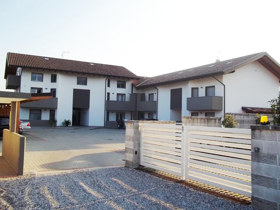 Appartamento in vendita a Pozzuolo del Friuli, 3 locali, zona Zona: Cargnacco, prezzo € 130.000 | Cambio Casa.it