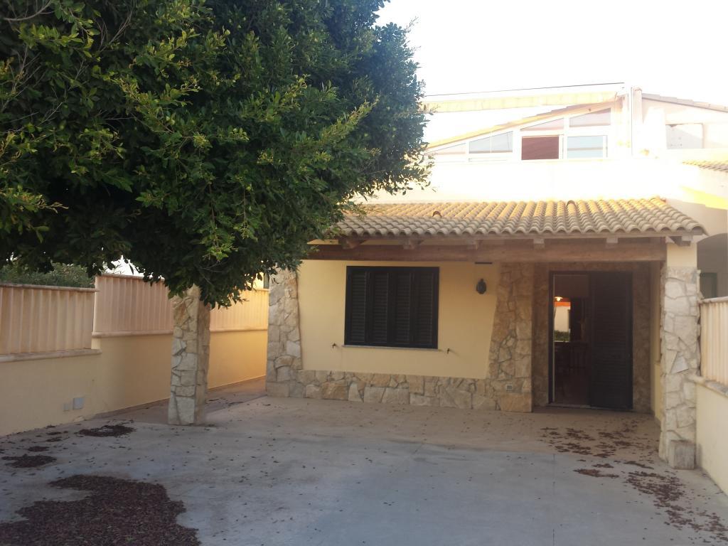 Villa affitto ISPICA (RG) - 7 LOCALI - 350 MQ