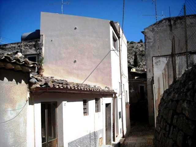 Casa Indipendente vendita SCICLI (RG) - 3 LOCALI - 130 MQ