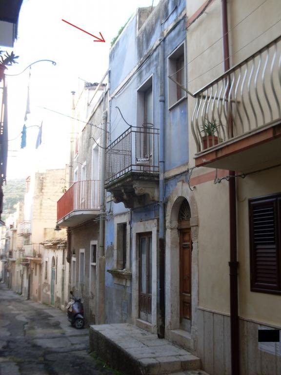 Casa Indipendente vendita SCICLI (RG) - 4 LOCALI - 120 MQ