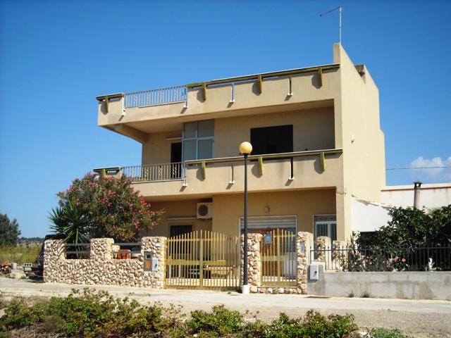 Villa vendita SCICLI (RG) - 7 LOCALI - 220 MQ