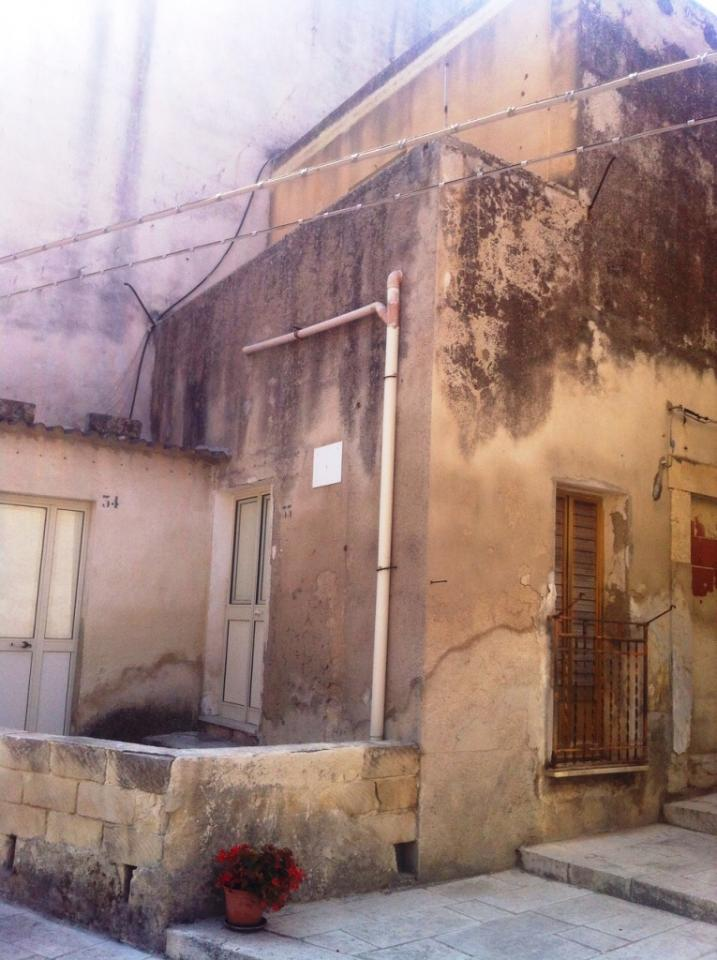 Casa Indipendente vendita SCICLI (RG) - 3 LOCALI - 70 MQ
