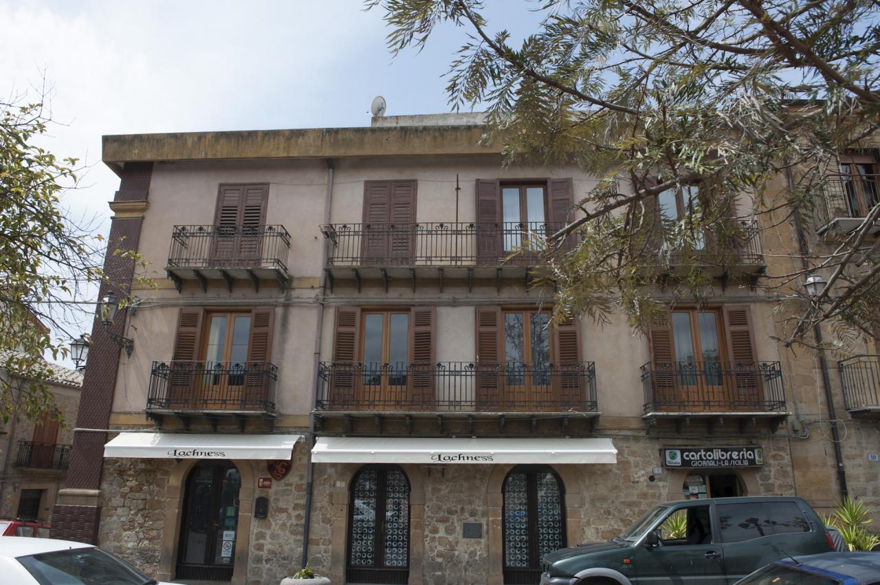 Appartamento in vendita a Aidone, 10 locali, Trattative riservate | Cambio Casa.it
