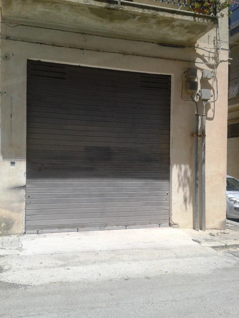 Negozio / Locale in vendita a Scicli, 9999 locali, zona Zona: Iungi, Trattative riservate | Cambio Casa.it