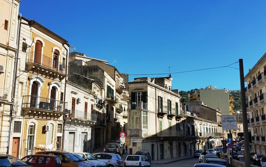 Soluzione Indipendente in vendita a Modica, 7 locali, zona Località: ModicaBassa, prezzo € 165.000 | Cambio Casa.it
