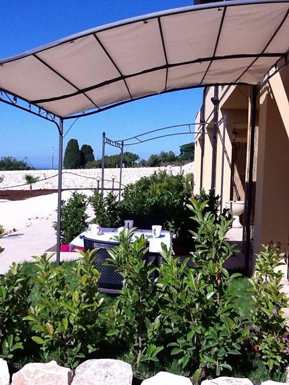 Appartamento in vendita a Scicli, 2 locali, zona Zona: Sampieri, Trattative riservate | CambioCasa.it