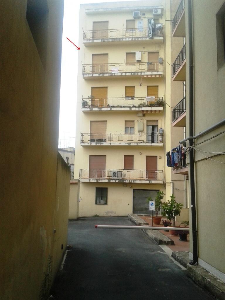 Appartamento in vendita a Modica, 4 locali, zona Località: ModicaSorda, prezzo € 100.000 | CambioCasa.it